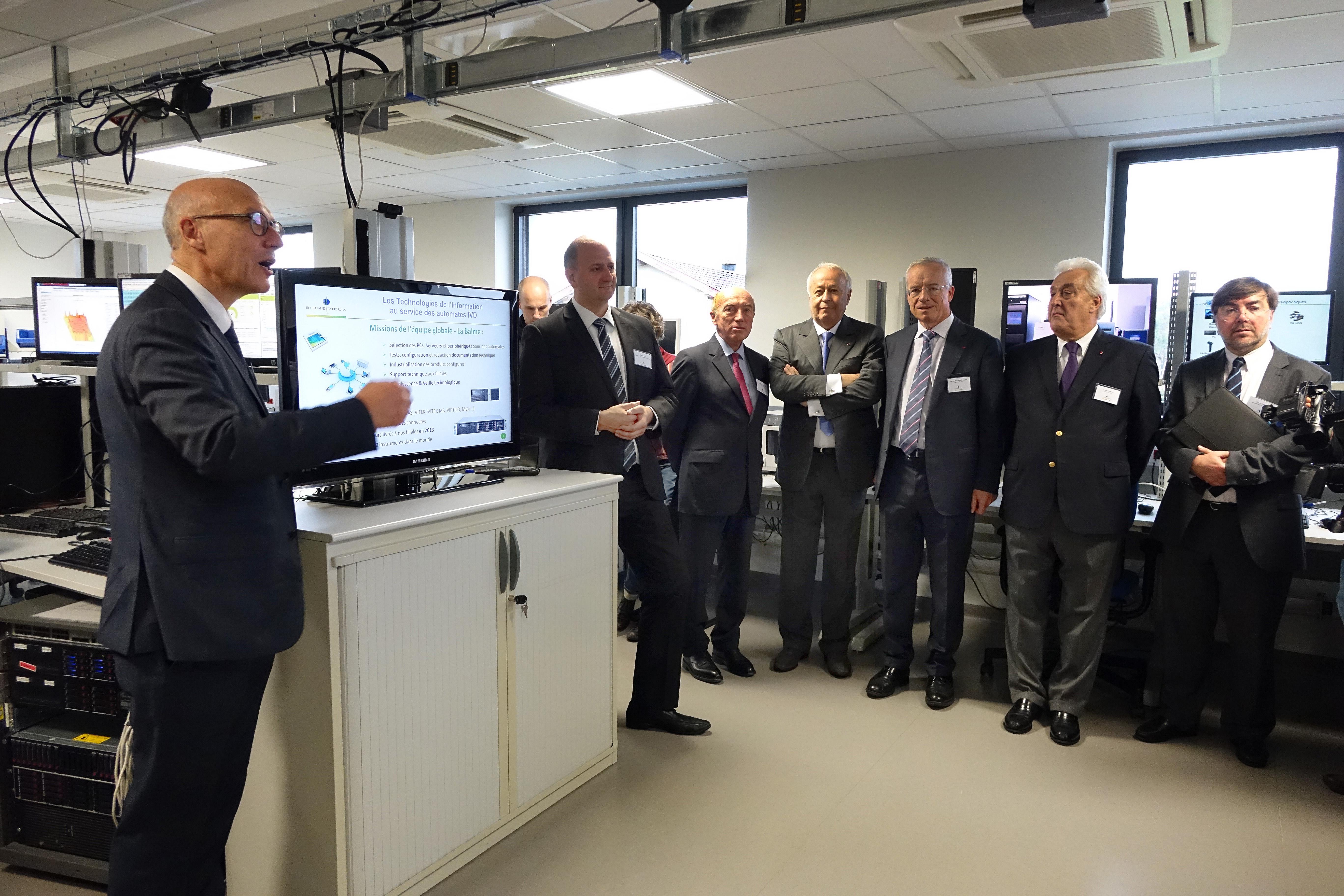 inauguration d'un centre de recherche