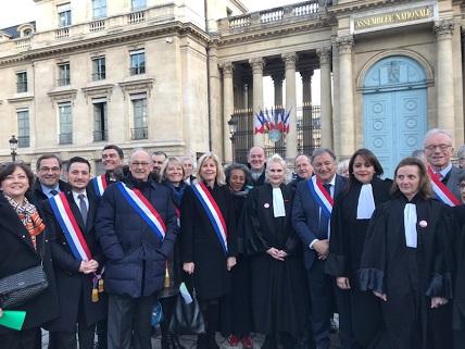 Réforme des retraites : les députés LR rencontrent une délégation des avocats de France.
